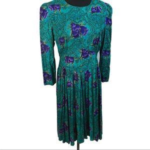 Pretty purple flowers vintage dress